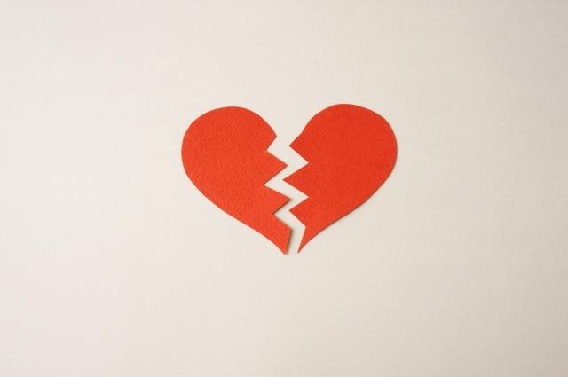 社内恋愛で失恋した人は休職や退職するのはあり? 失恋した時の対策